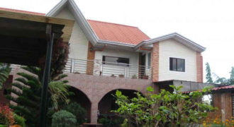 TAGAYTAY HOUSE FOR SALE with Huge Garage
